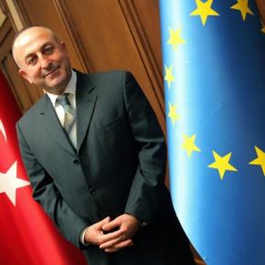Τουρκικό φλερτ στην Αθήνα εξαιτίας της προεδρίας στηνΕΕ