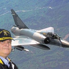 Ο Βενιζέλος καθηλώνει αεροσκάφη μ΄ένανόμο!