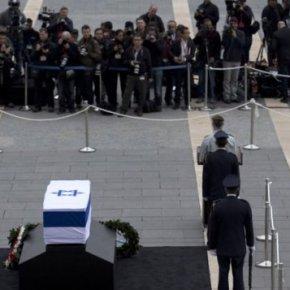 Κηδεία Σαρόν: Τους υπ. Άμυνας στέλνουνΕλλάδα-Κύπρος