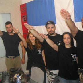 Χρυσή Αυγή: Ναζιστική κατήχηση (ακόμη και) στα παιδιά τους!Στη νέα σειρά φωτογραφιών που βρέθηκαν στους υπολογιστές των κατηγορουμένων η οργάνωση αποκαλύπτεται ως ένοπλη ναζιστική συμμορία με στρατιωτικήδομή