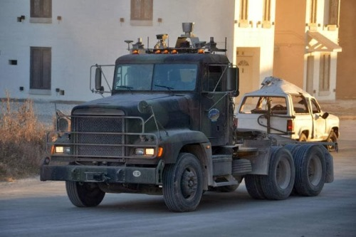23d3f-autonomous-military-truck-3