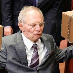 Spiegel: Ο Σόιμπλε ετοιμάζει νέο πακέτο βοήθειας προς τηνΕλλάδα
