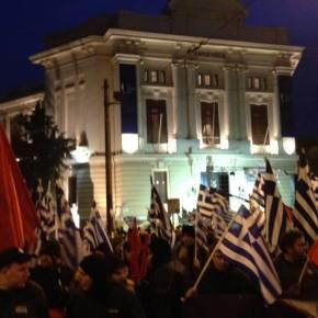 Χιλιάδες Έλληνες στο μνημείο των Ιμίων μία ώρα πριν την έναρξη τηςεκδήλωσης
