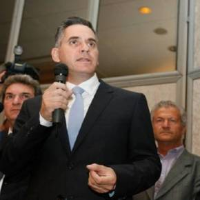 Ν.Παπαδόπουλος: Αποχώρηση από την κυβέρνηση Ν.Αναστασιάδη- Παραίτηση υπουργών στις 4Μαρτίου