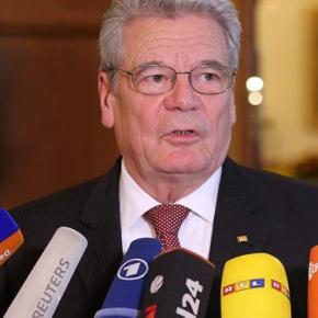 Zeit: Το βάρος του παρελθόντος και η επίσκεψη του γερμανού προέδρου στηνΕλλάδα