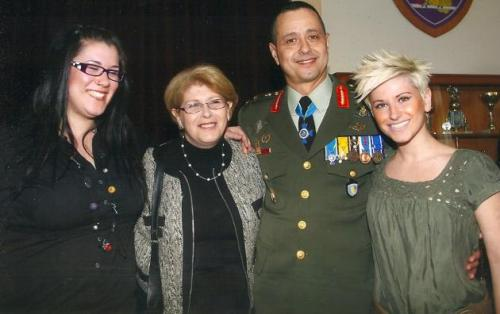 MANOLAS_FAMILY-630x396