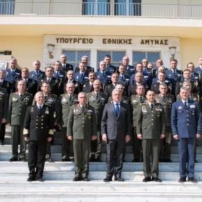 Τι είπε ο Αβραμόπουλος στους ανώτατους για «συνεργασία, συντεχνίες καιεξωστρέφεια»
