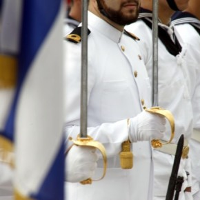 Και δεύτερος ναύαρχος έφυγε με αιχμές: «Δεν χρησιμοποίησα πλάγιαμέσα»