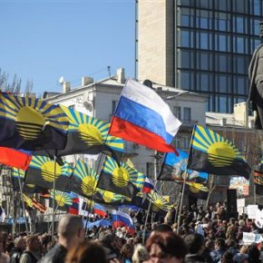 Κριμαία: Σημαίες της Ρωσίας σε ουκρανικά στρατόπεδα.ΝΑΤΟ: Προειδοποιεί πως οι ρωσικές δυνάμεις θα μπορούσαν να φτάσουν μέχρι την Υπερδνειστερία – Ετοιμοπόλεμοι ρωσόφωνοι αντάρτες στα ανατολικά τηςΟυκρανίας