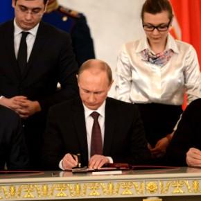 Υπεγράφη η συνθήκη ένωσης της Κριμαίας με τηΡωσία