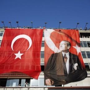 Η «Φωνή της Τουρκίας» σε 37γλώσσες