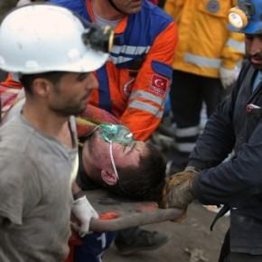 Στους 232 οι νεκροί στηνΤουρκία