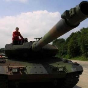 «Στ' Άρματα, στ' Άρματα εμπρός στον αγώνα» των εξοπλισμών που ποτέ δενχρειαζόμασταν