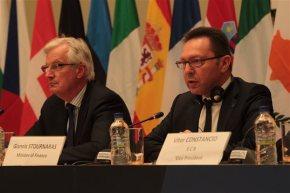 Ολοκληρώθηκε το Eurogroup όπου τέθηκε το αίτημα για ελάφρυνση του ελληνικού χρέος Σύμφωνα με πληροφορίες στο κοινό ανακοινωθέν θα υπάρχει επαναβεβαίωση της απόφασης του Νοεμβρίου του2012