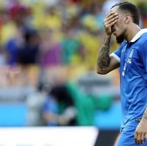 Συνέχεια στην αρνητική παράδοση της….Σε ήττα υποχρεώθηκε η Ελλάδα στην πρεμιέρα του Παγκοσμίου Κυπέλλου, με 3-0 από την Κολομβία, δείχνοντας πως υπάρχουν αμυντικάπροβλήματα