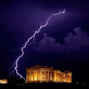 Η Ελλάδα το μήλον της έριδος μεταξύ της διαλυόμενης Ε.Ε και της ανερχόμενης Ευρασιατικήςένωσης