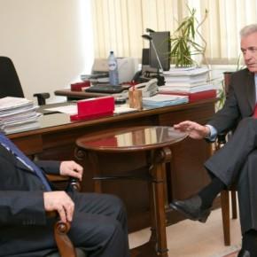 «Οδηγείτε σε κλιμάκωση και εκτροπή στο Αιγαίο» – Αβραμόπουλος προς Τούρκο υπουργόΆμυνας
