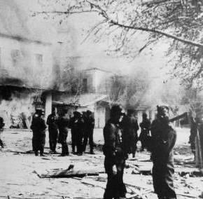 Περικύκλωσαν τη γερμανική πρεσβεία 70 χρόνια από τη σφαγή του Διστόμου – Εκδηλώσεις μνήμης Πρωτοβουλίες και ψήφισμακατοίκων