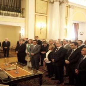 Ορκίστηκε η νέα κυβέρνηση(εικόνες)