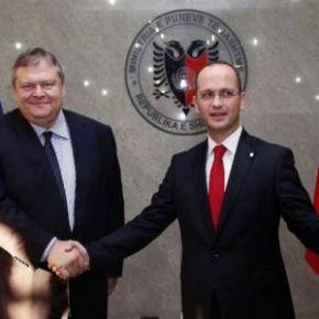 Ο Ε.Βενιζέλος δεσμεύτηκε για την ένταξη της Αλβανίας στην ΕΕ και αυτοί ως «αντάλλαγμα» δεν επικυρώνουν την συμφωνία τηςΑΟΖ!