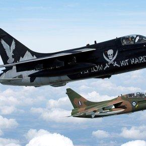 Έκλεψαν την παράσταση τα A-7E της 336Μ στo «Royal International Air Tattoo2014″