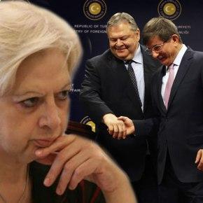 «ΠΛΗΡΩΜΕΝΗ» ΑΠΑΝΤΗΣΗ ΣΤΙΣ ΑΠΕΙΛΕΣ ΤΟΥ «ΚΟΛΛΗΤΟΥ» ΤΟΥ ΝΤΑΒΟΥΤΟΓΛΟΥ Η Κύπρια ευρωβουλευτής ξεφτιλίζει τον Ε.Βενιζέλο: «Ούτε η χούντα του '67 δεν μου έκλεισε το στόμα – Ποιός είσαιεσύ;»