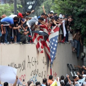 ΟΠΩΣ ΚΑΠΟΤΕ ΣΤΗ ΣΑΪΓΚΟΝ – Εγκαταλείπουν οι Αμερικανοί την πρεσβεία τους στην Τρίπολη της Λιβύης – Εκτός ελέγχου οισυγκρούσεις