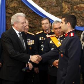 Ψάχνουμε για νέο υπουργό Εθνικής Άμυνας; Το Μαξίμου «δίνει» Αβραμόπουλο γιαεπίτροπο!