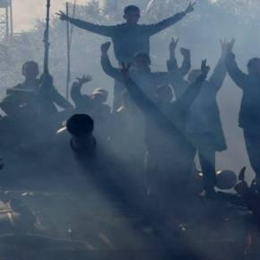 ΦΕΥΓΟΥΝ «ΣΑΝ ΠΟΝΤΙΚΙΑ» ΟΙ ΔΥΤΙΚΟΙ ΑΦΟY ΚΑΤΕΣΤΡΕΨΑΝ ΤΗΝ ΧΩΡΑ – Τα «έργα» ΗΠΑ και ΕΕ στις πλάτες των λαών: Το «χάος του χάους» στην Λιβύη…(vid)