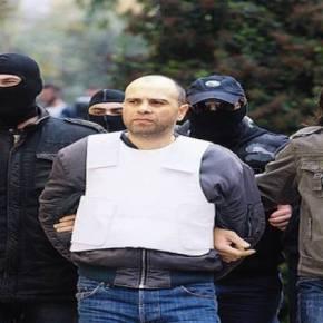 ΕΚΤΑΚΤΟ: Συνελήφθη ο Ν.Μαζιώτης μετά από μάχη με την ΔΙΑΣ στο Μοναστηράκι (ΦΩΤΟ)ΤΡΑΥΜΑΤΙΣΤΗΚΕ ΕΝΑ ΣΤΕΛΕΧΟΣ ΤΗΣ ΔΙΑΣ ΕΝΑΣ ΑΥΣΤΡΑΛΟΣ ΚΙ ΕΝΑΣ ΓΕΡΜΑΝΟΣΤΟΥΡΙΣΤΑΣ