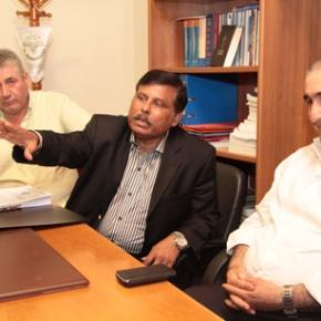 Στα δικαστήρια ο Πρέσβης του Μπαγκλαντές για Μανωλάδα!  Όπως φεύγει δεν του δίνουν να πάρει πίσω και μερικές χιλιάδες συμπατριώτεςτου;