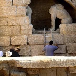 Απομακρύνονται οι λίθοι, για να διευκολυνθεί η πρόσβαση στο μνημείο Συνεχίζονται από σήμερα, κανονικά, οι εργασίεςανασκαφής