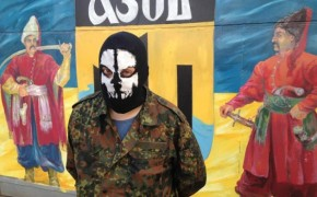 """""""Έλληνες νεοναζί πολεμούν στην Ουκρανία""""! Δημοσιεύματα από Βρετανία προβληματίζουν"""
