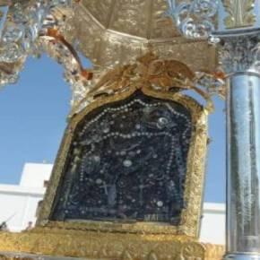 Χιλιάδες πιστοί στην Τήνο για τον Εορτασμό του «Πάσχα» τουκαλοκαιριού