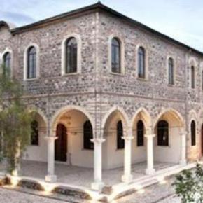 ΙΣΤΟΡΙΚΕΣ ΣΤΙΓΜΕΣ Τέλεση λειτουργίας για πρώτη φορά μετά το 1922 σε εκκλησία τηςΣμύρνης