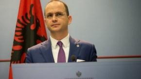 ΥΠΕΞ Αλβανίας: Δεν θα βάλουμε βέτο στα Σκόπια για τη συμφωνία της Οχρίδας  Με την Ελλάδα,  θα αλλάξουμε τα τοπωνύμια στα αλβανικά μητρώα