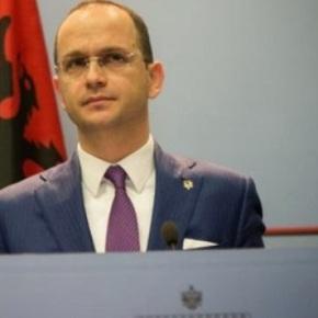 ΥΠΕΞ Αλβανίας: Δεν θα βάλουμε βέτο στα Σκόπια για τη συμφωνία της Οχρίδας  Με την Ελλάδα,  θα αλλάξουμε τα τοπωνύμια στα αλβανικάμητρώα