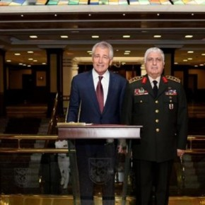 Ο αμερικανός υπουργός Άμυνας ζητά από την «διπρόσωπη» Τουρκία να συμπαραταχθεί ενατίον τουISIL