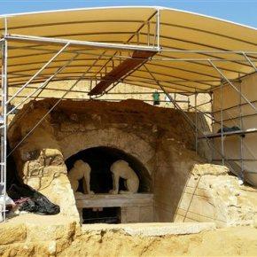 ΠΡΟΣΤΑΣΙΑ ΑΠΟ ΤΙΣ ΚΑΙΡΙΚΕΣ ΣΥΝΘΗΚΕΣ Συναγερμός στην Αμφίπολη για την κακοκαιρία – «Οχυρωματικά» έργα για να μην καταστραφεί το μνημείο (Δείτε νέες φωτογραφίες από τιςεργασίες)