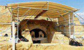 Αμφίπολη: Περίτεχνα λαξευμένα μάρμαρα φέρονται να εντόπισαν οι αρχαιολόγοι