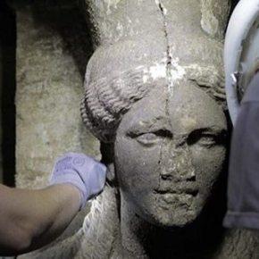 Δύο καρυάτιδες αποκαλύφθηκαν στην ΑρχαίαΑμφίπολη