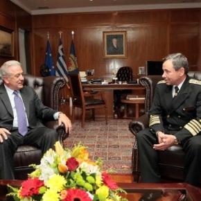 Συνάντηση ΥΕΘΑ Δημήτρη Αβραμόπουλου με τον Αρχηγό Ενόπλων Δυνάμεων της Βουλγαρίας.Φωτογραφίες