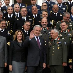 Αποχαιρέτησε την στρατιωτική ηγεσία ο Δημήτρης Αβραμόπουλος –ΦΩΤΟ