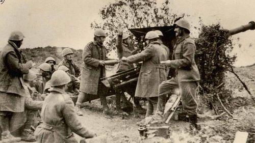Greek_artilery_Morava_Nov_1940