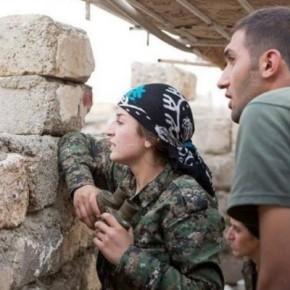 Ναλίν Αφρίν: Η Κούρδισσα στρατηγός που υπερασπίζεται τηνΚομπάνι