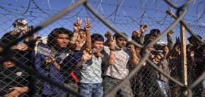 Eξέγερση λάθρο στο κέντρο κράτησης του Ελληνικού – Δεν ελέγχεται η κατάσταση στο εσωτερικό του