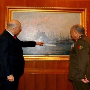 Ο Δένδιας κάνει μαθήματα Ιστορίας στον Αιγύπτιο στρατηγό Το περιστατικό κατά την συνάντηση των δύοανδρών