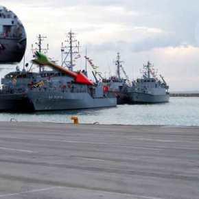 Οι Τούρκοι μας προκαλούν μέσα στο…γήπεδο μας:Το Τουρκικό πλοίο του ΝΑΤΟ…δεν βάζει Ελληνική σημαία – Μόνο μια τεράστια Τουρκική κυματίζει στο λιμάνι τηςΠάτρας!