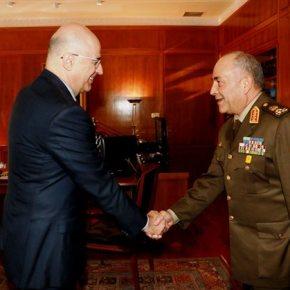 «Πρόσω ολοταχώς» στη στρατιωτική συνεργασία Ελλάδος – Αιγύπτου Διεξαγωγή κοινών ασκήσεων τόσο στην έρευνα και διάσωση όσο και σε επίπεδο ειδικώνδυνάμεων