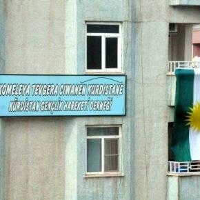 Υψηλός πυρετός στην Άγκυρα – Μεγάλη σημαία ύψωσαν οι Κούρδοι στοΝτιγιαρμπακίρ